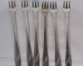 Silverware-Vintage silverware Queen Bess pattern silverware
