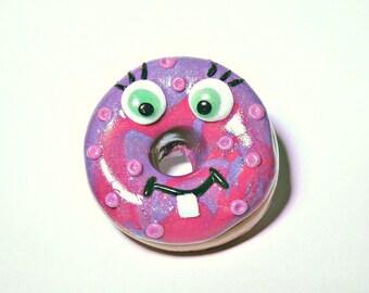 kawaii doughnut badge, doughnut pin, doughnut, badge, brooch, pin