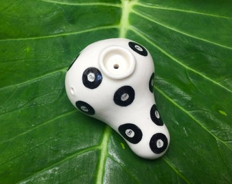 8 Ball Pipe