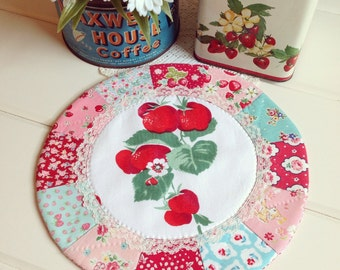 recreate a lovely patchwork doily