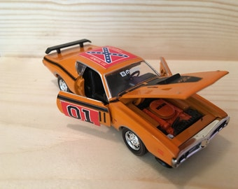 Dukes of Hazzard General lee  1971 dodge charger custom car 1:64 scale die cast