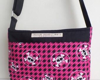 """Bag """"Yasmin"""" pattern skull, black and fuchsia."""