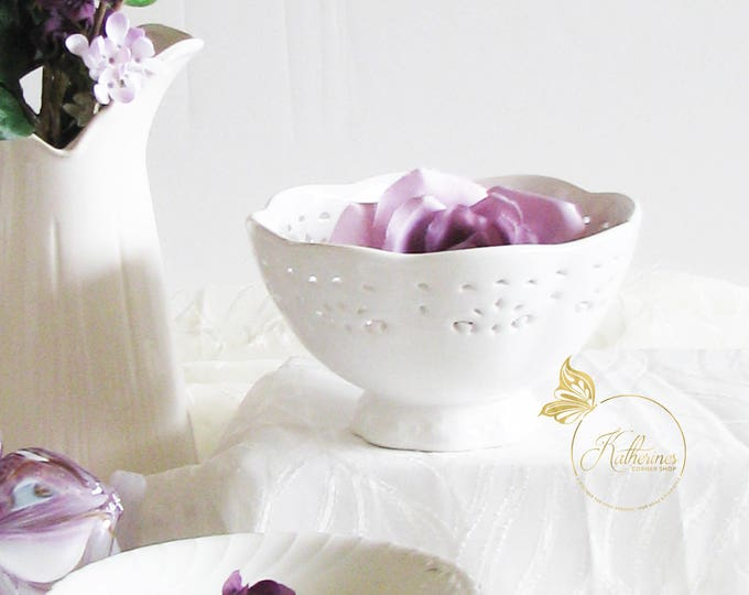 White Ceramic Lace Footed Bowl