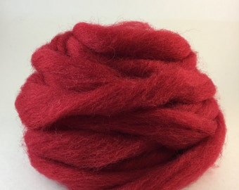 Wool roving in Strawberry
