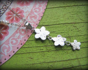 Three Flowers Necklace - 3 Plumeria Symbolic Hawaii Maui Oahu Kauai - Gift Birthday Mothers Day Best Friend Mother Sister Cousin Daughter