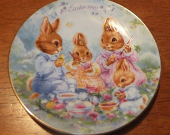 1992 Avon Colorful Moments Easter Plate