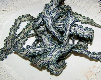 VINTAGE Trim Ydg Scalloped Edge Black & GreenThreads On Ivory Altered  Art Sewing Costume