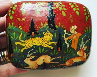 Rare hand paint Indian hunter and animals trinket jewelry gift box kashmir paper papier mache box