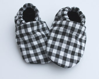 Gingham Black and White, Black and white shoes, Black baby shoes, black and white baby moccs, moccasins