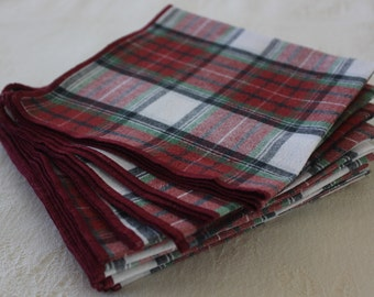 Everyday Cloth Table Napkins (set of 12) in Holiday Colors Gingham, Table Napkins