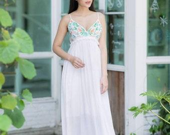 New-  Lovely queen Embroidered  Boho dress, Festival dress, Hippie dress, Gypsy dress, Boho Chic dress