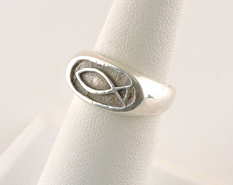 Size 6 Sterling Silver Textured Ichthys Ring