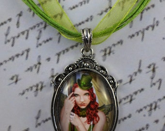 Cameo Pendant - The Green Faerie