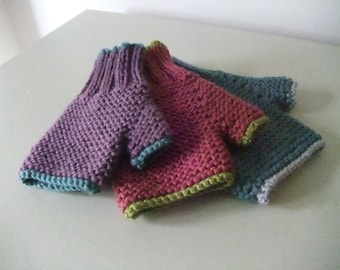 "Knitting Pattern for Children's ""Carrie"" Fingerless Gloves"