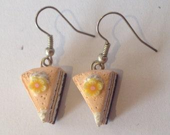 Peach cream cake, earrings