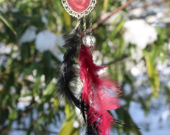 Cameo necklace feather