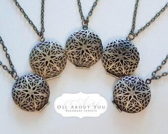 Wholesale Bulk Filigree Essential Oil Diffuser Necklace Diffuser Necklace Aromatherapy Necklace Antique Bronze Locket Pendant Gift Scent