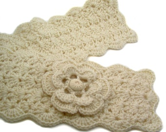 Fisherman Crochet Scarflette with Flower, Buttoned Scarflette, Buttoned Neck Warmer, SC142-01