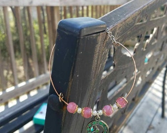 Simple pink and white beaded bracelet