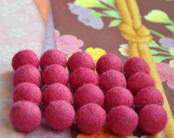 20pcs China Pink Wool Felt Balls (1.5cm)