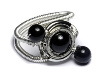Onyx ring, Cyberpunk Jewelry - Ring - Black Onyx - ORBIT (Custom size available - see description)