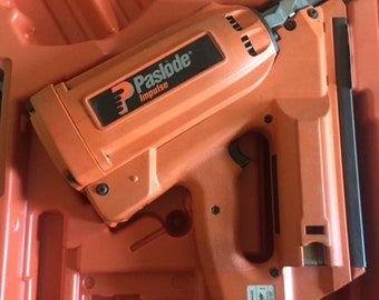 Paslode Impulse Nailgun