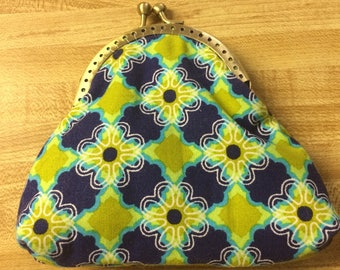 Flowers with Butterflies Kiss Lock Coin Purse