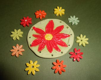 Fun Flower Pine Needle Base with 10 flower beads