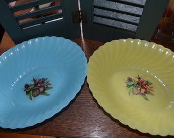 Set Of Two Hard Plastic Fruit Design Scalloped Swirl Serving Bowls By SKI Hong Kong No. 672