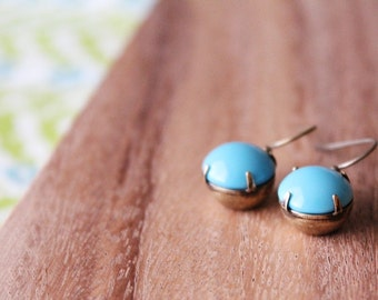 vintage glass earrings - turquoise