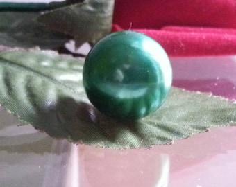 1 green acrylic bead 18mm in diameter, hole 1 mm