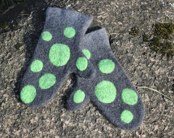 Felted Mittens,Gray,Green,Arm Warmers, Grey warm Mittens, Wool gloves