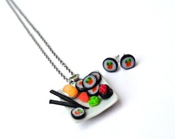 RÉSERVÉ Sushis miniatures, makis en polymère, kit collier et gougeons d'oreilles. nourriture miniature, bijou gourmand, bijou sucré