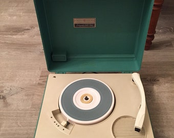 Vintage GE turquoise partymate solid state record player