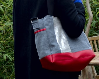 Cross Body large Purse. Everyday Tote. Crossbody or shoulder bag. Back zipper pocket.