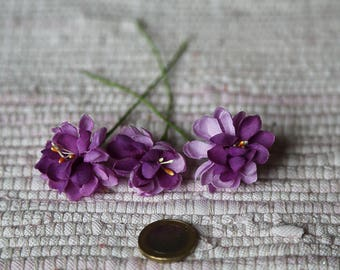 Small fabric realistic flowers. Set 3 purple flowers