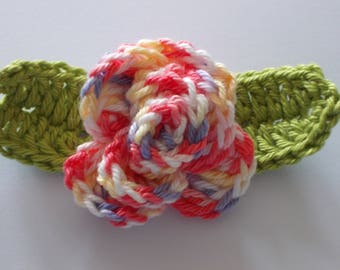 1 crochet rose with leaves - red color