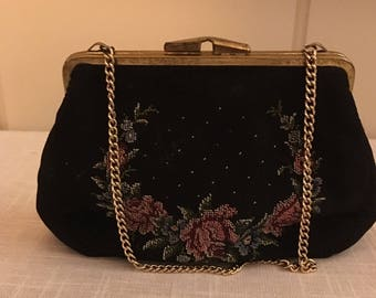 Vintage purse with embroidery.