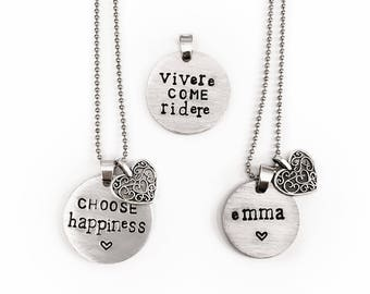 Necklace with customizable round pendant in aluminum with personalized engraving made by hand