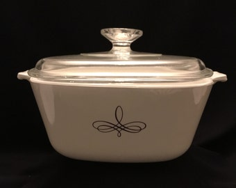 Vintage Trefoil Pattern Corning 2 1/2 Quart Casserole with Glass Lid