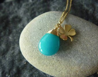 Necklace drops of Turquoise gemstone and good luck