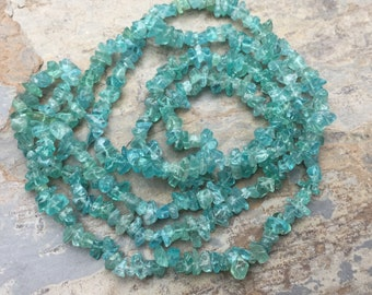 Apatite Chips, Apatite Chip Beads, Aqua Chip Beads, 4 to 5 mm approx. 34 inch strand