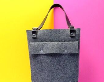 Vilten tas met leren hengels | Felt handbag with leather handles