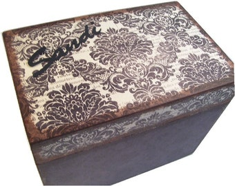 Recipe Box Decoupaged  Black, Cream Damask, Handcrafted Kitchen Storage, Organization for 4x6 Recipe Cards  MADE To ORDER