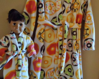 """Frosted donuts fleece bathrobe girl size 6 and matching 18"""" doll robe"""