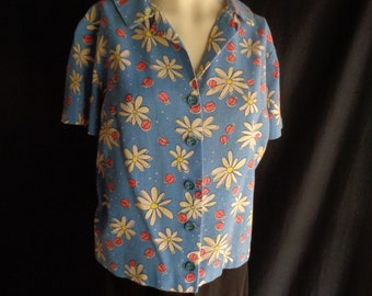 Vintage blouse ladybugs flowers  novelty print large