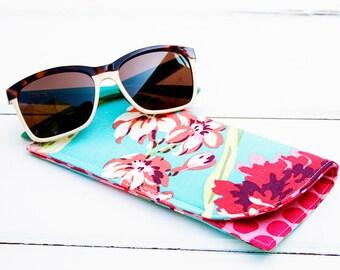 Hawaiian Blue Flower Sunglass Case|Glass Sleeve|Monogrammed Cases for Oversized glasses|Funky Sunglass case|Floral |Sunglass sleeves|Beach
