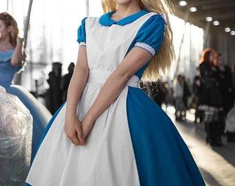 ALICE IN WONDERLAND disney cosplay