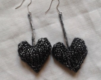 Knitted hearts earrings