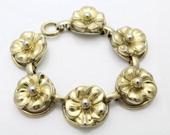 "Vintage 1950s Chunky Vermeil Sterling Silver Flower Link Bracelet by Napier 7"". [604]"